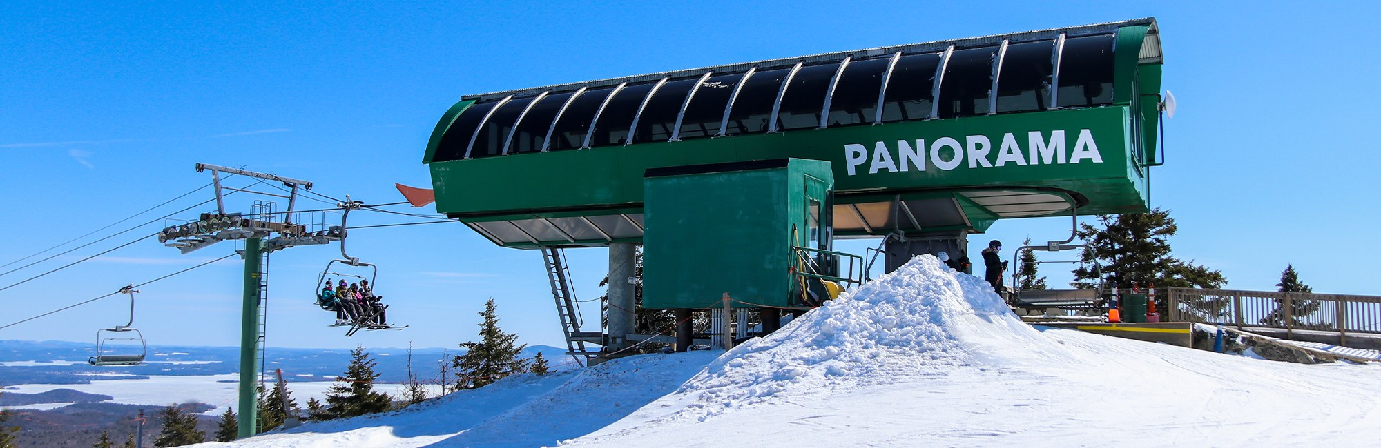 Pan lift at the summit